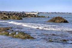 Скалистая береговая линия на Свят-Мишел-Шеф-повар-шеф-поваре в Франции Стоковая Фотография RF