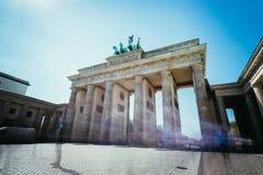 Скалистая вершина Brandenburger, ворота Brandenburger в Берлине, Германии Достопримечательность стоковое изображение rf
