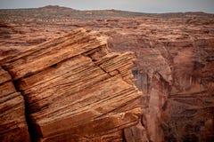 Скалистый ландшафт на загибе подковы в Аризоне стоковое изображение