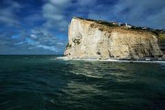 Скалы алебастра Fecamp, Нормандия, Франция стоковое изображение