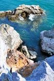 Скалы и море на Koh Sichang стоковая фотография