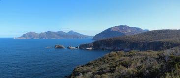 Скалы моря Freycinet стоковое фото