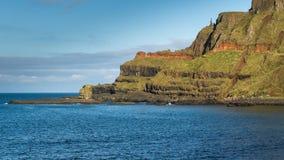 Скалы на мощёной дорожке гиганта, Северной Ирландии Стоковая Фотография