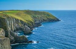 Скалы на старой голове, пробочке графства, Ирландии стоковое изображение rf