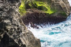 Скалы на Nusa Penida, Бали, Индонезии Стоковые Фотографии RF