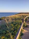 Скалы Seashore трески накидки национальные на Goldenhour стоковое фото rf