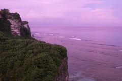 Скалы Uluwatu - Бали, Индонезия Стоковое Фото