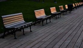 Скамейки в парке на променаде Стоковое Изображение