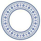Скандинавская круглая орнаментальная рамка, дизайн народного искусства вектора, флористический состав в сини военно-морского флот Стоковое Фото
