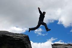 скача детеныши человека Стоковое фото RF