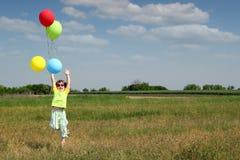 скачка девушки счастливая немногая Стоковое Изображение RF