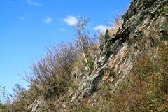 Скачком каменистый наклон стоковое изображение rf