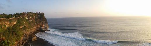 Скала и вид на океан - панорамные Стоковые Изображения RF