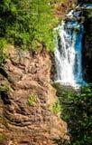 Скала и водопад Стоковая Фотография RF