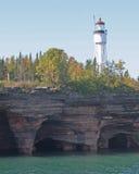 Скала и маяк Стоковые Изображения