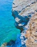 Скала и чистая вода Стоковое Фото