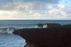 Скала на предпосылке моря Стоковое Фото