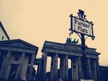 Скалистая вершина Brandeburger, Pariser Platz - Берлин Стоковая Фотография RF