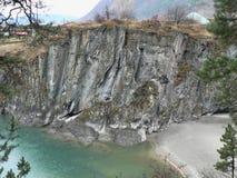 Скалистая стена в горах Altai Стоковая Фотография RF