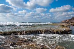 Скалистое морское побережье стоковая фотография rf
