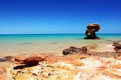 Скалистое побережье вдоль Индийского океана, Австралии Стоковое Фото