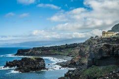 Скалистое побережье около Ла Rambla Сан-Хуана de Стоковое Фото
