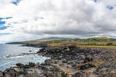 Скалистое побережье острова пасхи - острова пасхи, Чили Стоковые Изображения