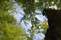 Скалолазание в прикарпатских горах 2 Стоковые Фото