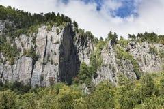 Скалы гранита гор Adirondack Стоковые Изображения RF