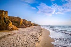 Скалы глины на побережье Стоковая Фотография