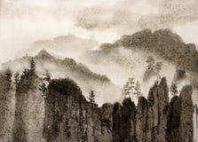 Скалы и туман китайской росписи хмурые Стоковая Фотография RF