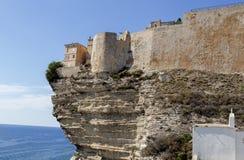 Скалы и цитадель Bonifacio, южный остров Корсики, Франция Стоковые Изображения RF