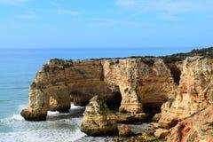Скалы на Carvoeiro Португалии Стоковая Фотография RF