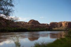 Скалы песчаника на moab в предыдущих часах утра Стоковая Фотография