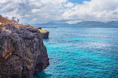 Скалы atlantic океана ландшафта перемещения природы исследуют мир Стоковое Изображение