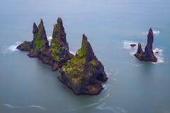 Скалы Reynisdrangar, южная Исландия Стоковое Фото