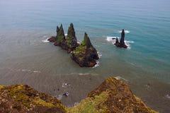 Скалы Reynisdrangar, южная Исландия Стоковые Изображения RF