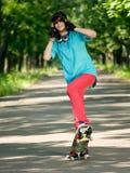 скейтборд девушки подростковый Стоковые Фотографии RF