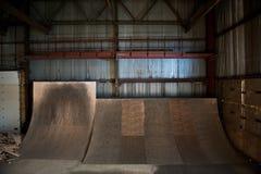 скейтборд пандусов стоковая фотография rf