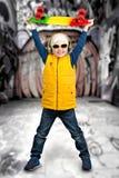 Скейтбордист мальчика Весьма спорт, дети моды Стоковое Фото