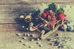 Скелетон и подарочные коробки Санта Клауса Стоковое Изображение