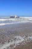 скелет кораблекрушением свободного полета пляжа Стоковое фото RF