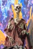 Скелет на поезде призрака парка атракционов Стоковые Изображения