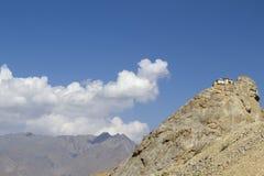 Скит над селом Mulbekh, Ladakh стоковые фотографии rf