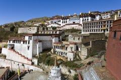 Скит Ganden - Тибет - Китай стоковые изображения