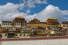 Скит Songzanlin тибетский, shangri-la, фарфор стоковые фотографии rf