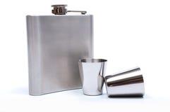 Склянка и чашки вальмы с белой предпосылкой Стоковые Фотографии RF