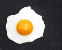 сковорода яичка стоковая фотография rf