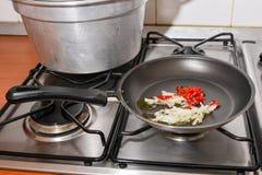 Сковорода на плитае Стоковое фото RF