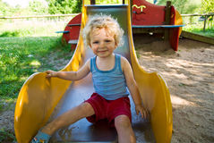 скольжение мальчика милое Стоковое Фото
